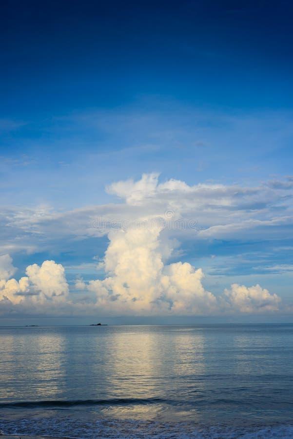 cloud havet royaltyfri bild