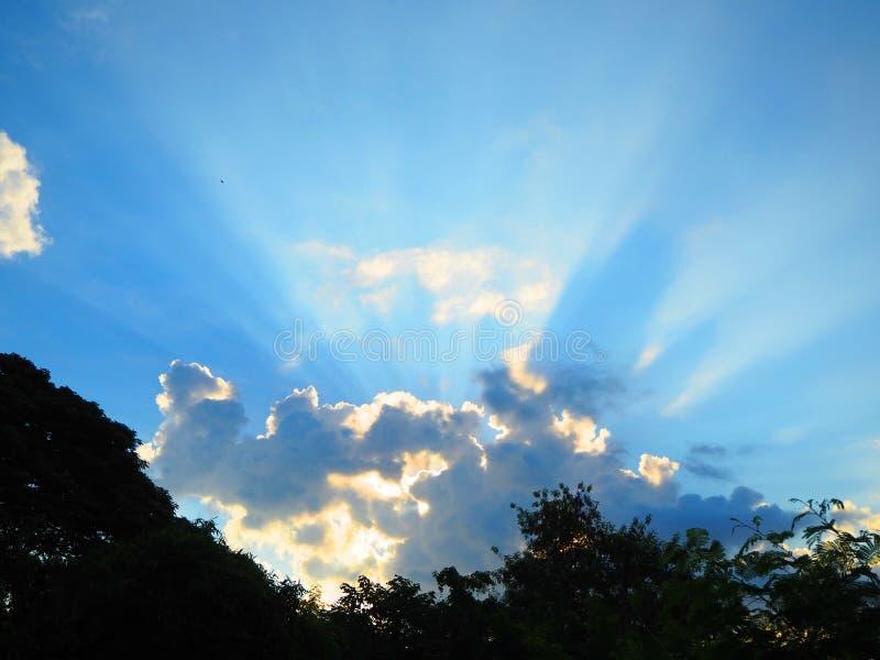 cloud słońce zdjęcia royalty free