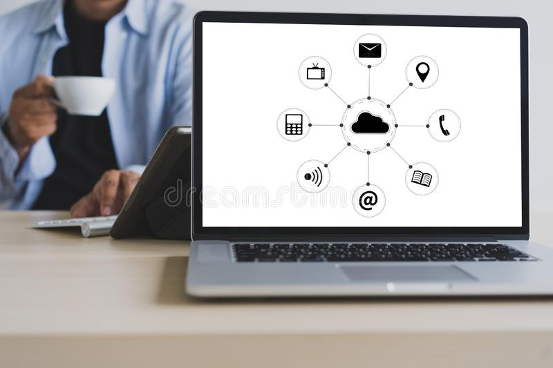Cloud Service (Cloud Computing diagram on the new computer inter royalty free stock image