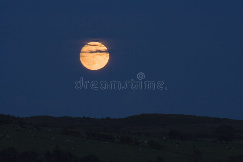 Clouded Moonrise Royalty Free Stock Photos