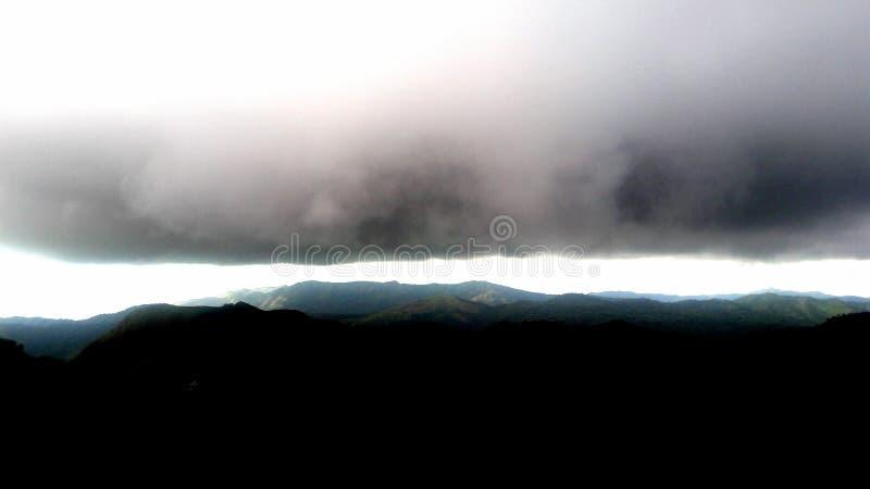 Download Clouding stock afbeelding. Afbeelding bestaande uit hemel - 114226495