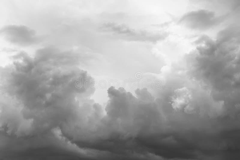 clouds den gråa stormen royaltyfri foto