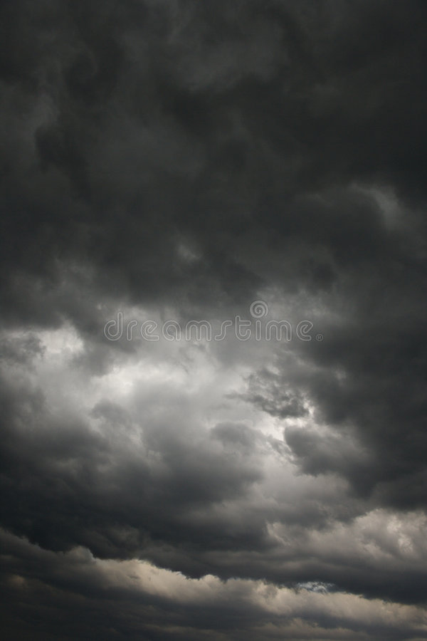 clouds den mörka stormen royaltyfri fotografi