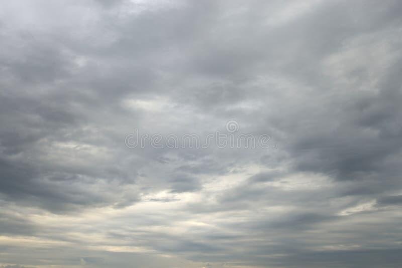 clouds mörkt illavarslande regn royaltyfri fotografi