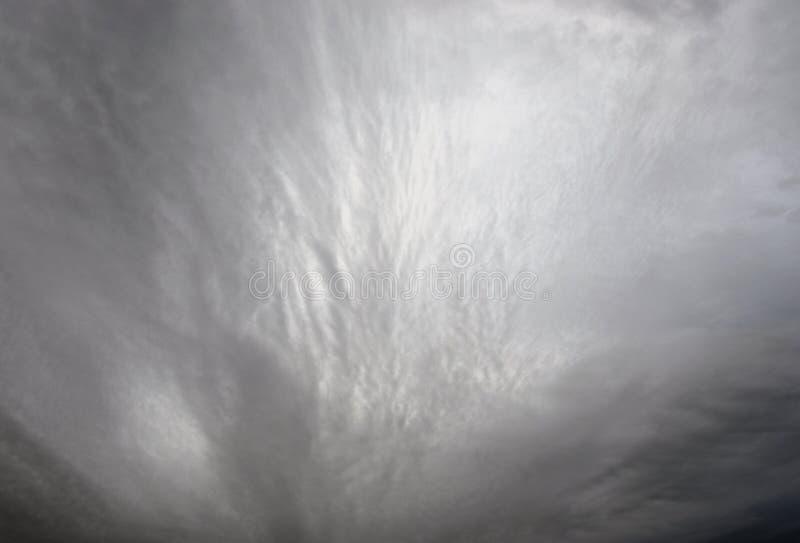 clouds mörkt illavarslande regn royaltyfri foto