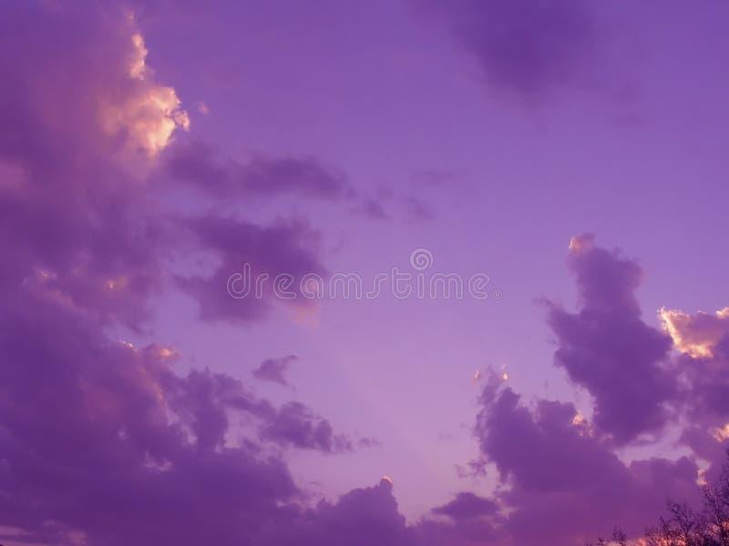Clouds Skyen Royaltyfri Bild