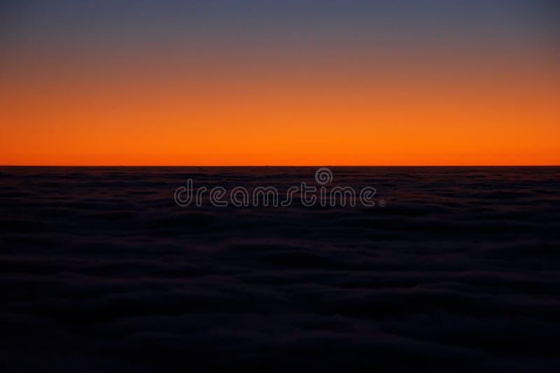 cloudscape山日落视图 免版税库存图片