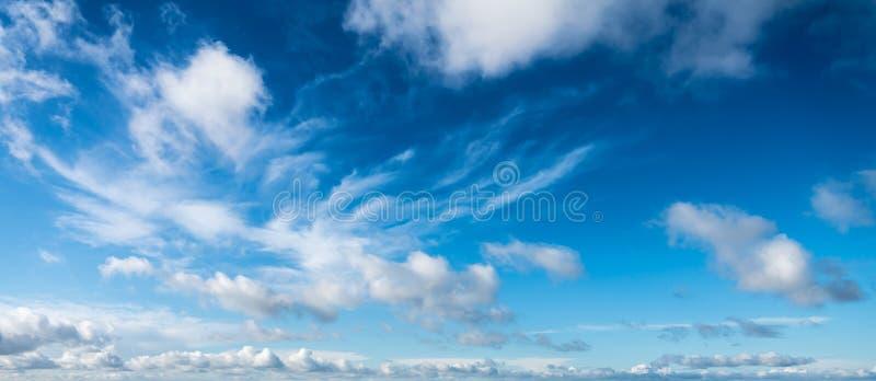 Cloudscape неба зимы стоковое фото rf