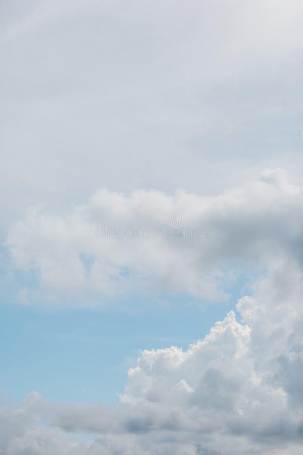 Cloudscape в лете стоковые изображения rf