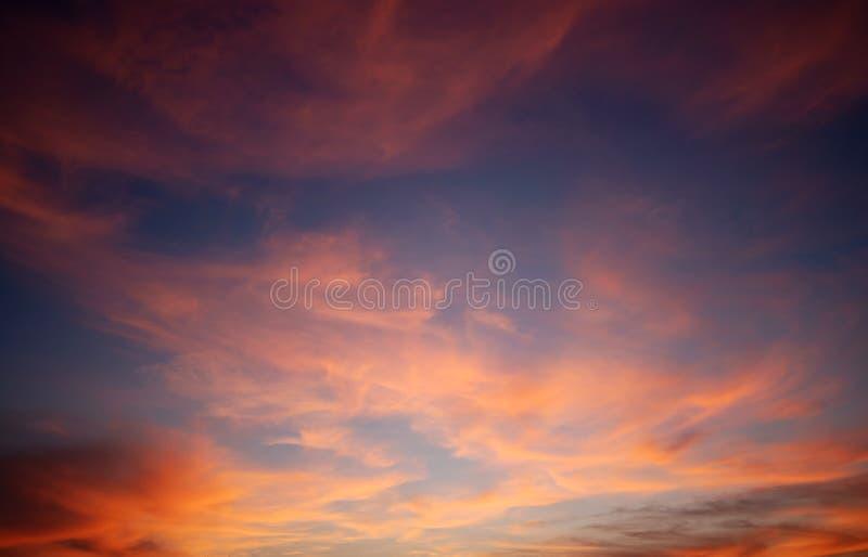 Cloudscape avec la couleur rouge photo libre de droits