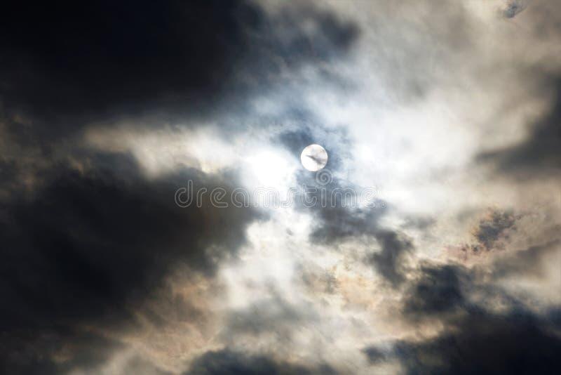 Cloudscape belamente escuro imagem de stock royalty free