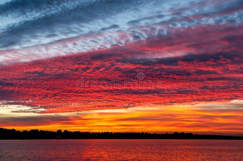 Cloudscape bij zonsondergang royalty-vrije stock afbeelding