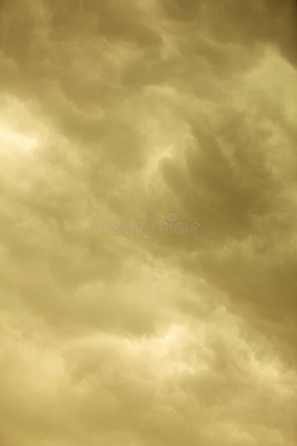 Download Cloudscape Dramático Nubes Tempestuosas En El Cielo Foto de archivo - Imagen de tempestuoso, oscuro: 44856230