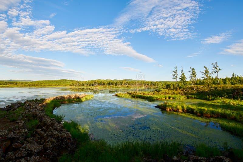 Cloudscape i jezioro obrazy stock