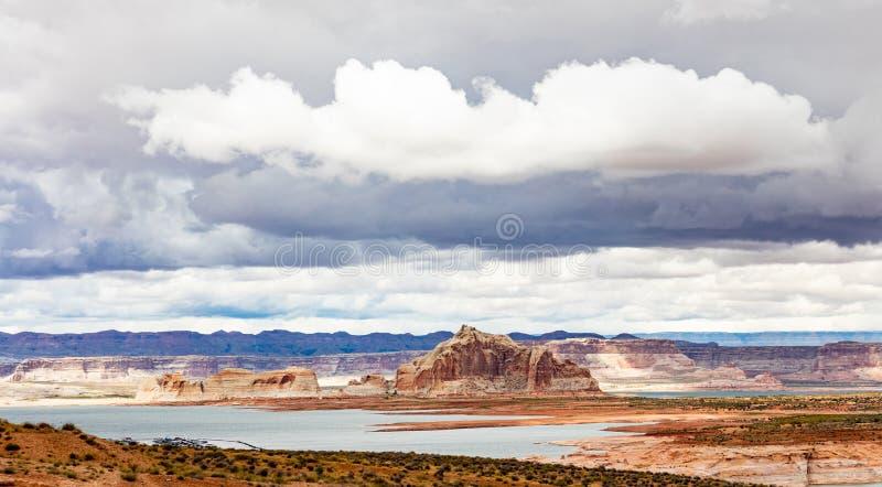 Cloudscape sopra il lago Powell Arizona ed Utah U.S.A. immagini stock