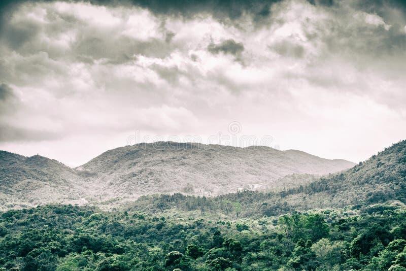 Cloudscape y paisaje fotos de archivo libres de regalías
