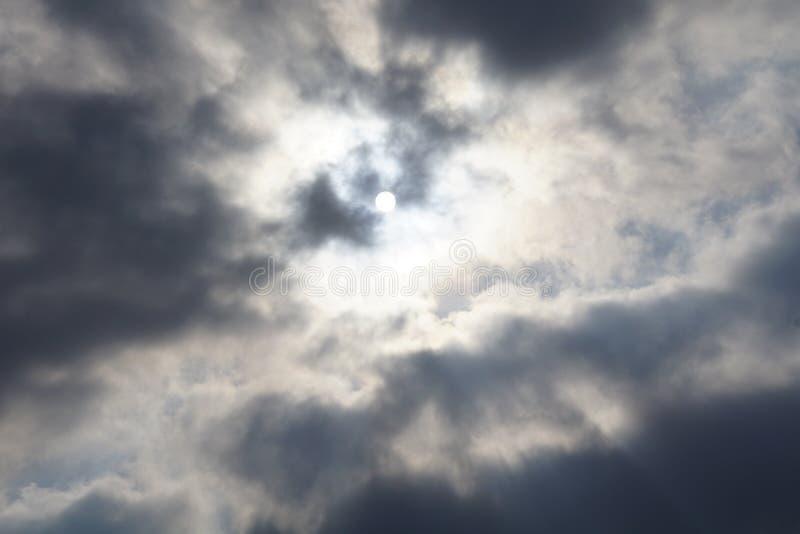 Cloudscapes belamente escuro foto de stock