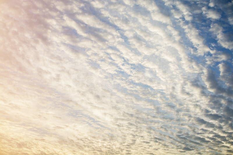 Cloudscapes pendant le matin photographie stock libre de droits