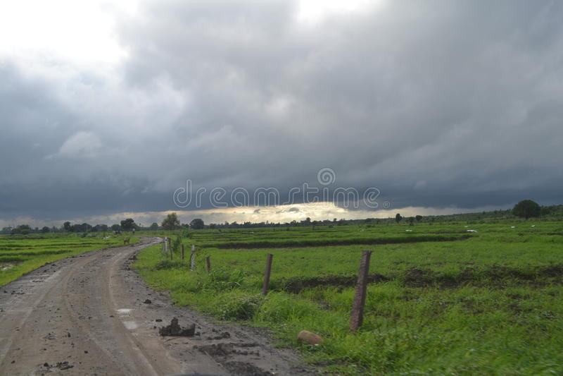 cloudy krajobrazu obrazy royalty free