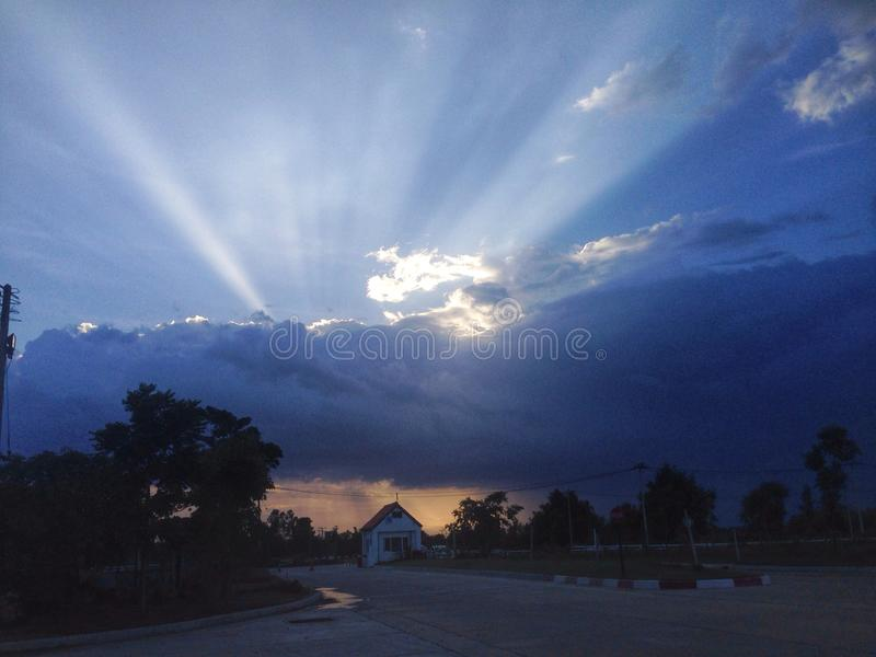 clound claro dos azul-céu do raio fotografia de stock royalty free