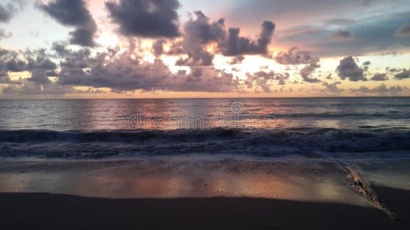 Clound strand royaltyfria bilder