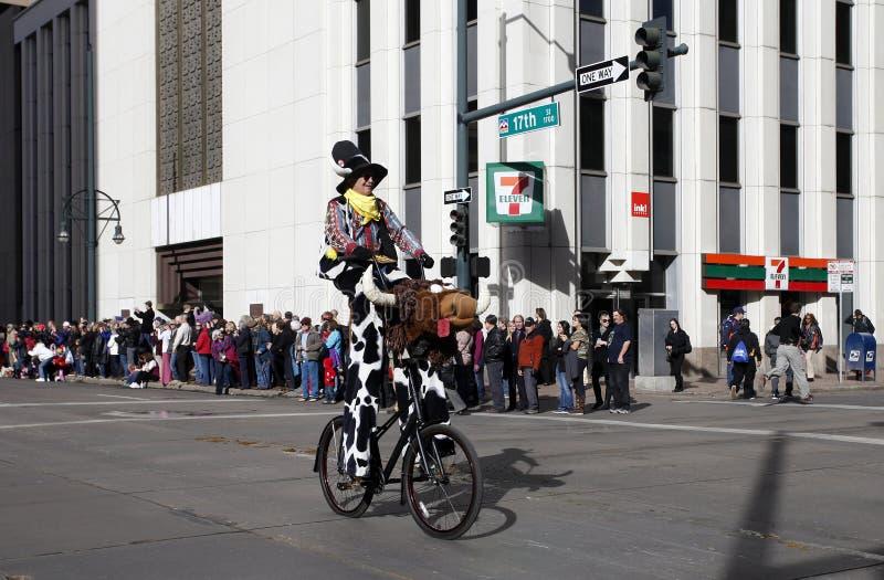 Clown de rodéo dans le défilé courant occidental national d'exposition photos stock