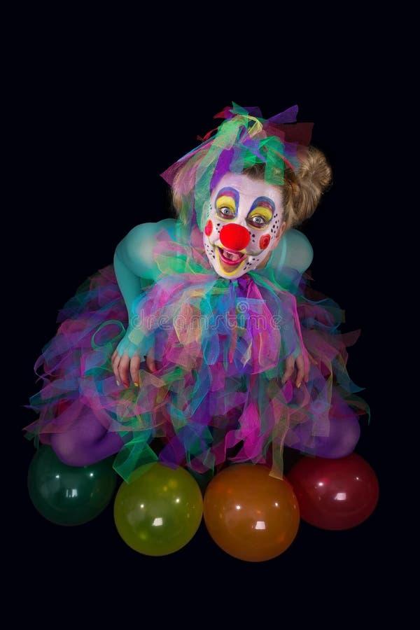 Clown i mörkret arkivfoton