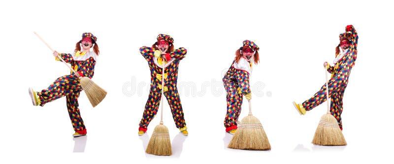 Clown mit dem Besen lokalisiert auf Wei? stockfotos