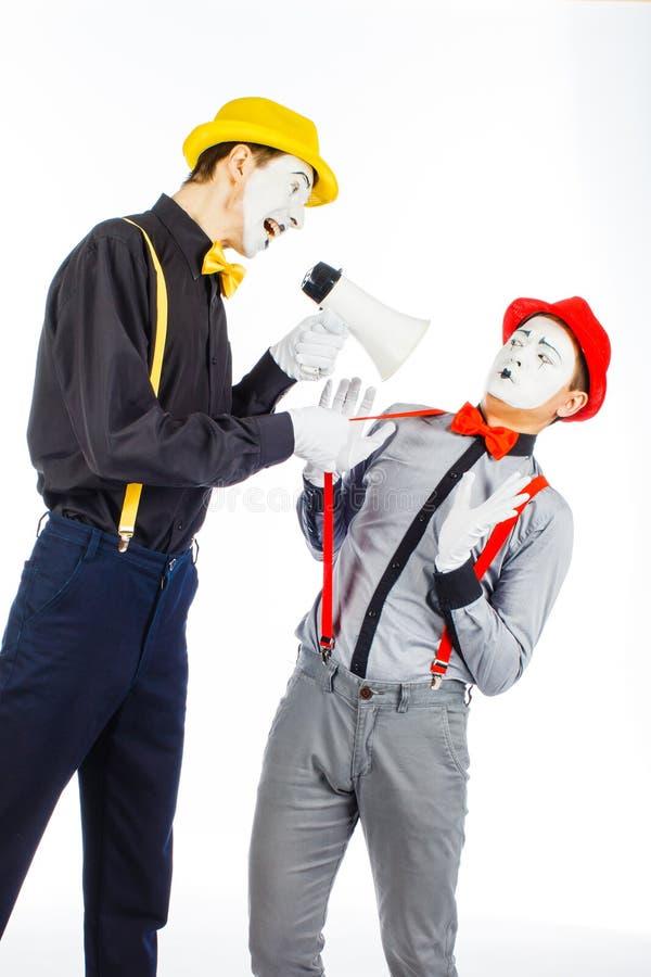Clown twee, BOOTST, opzichtige Megafoon na De uitdrukking van emoties O royalty-vrije stock afbeeldingen