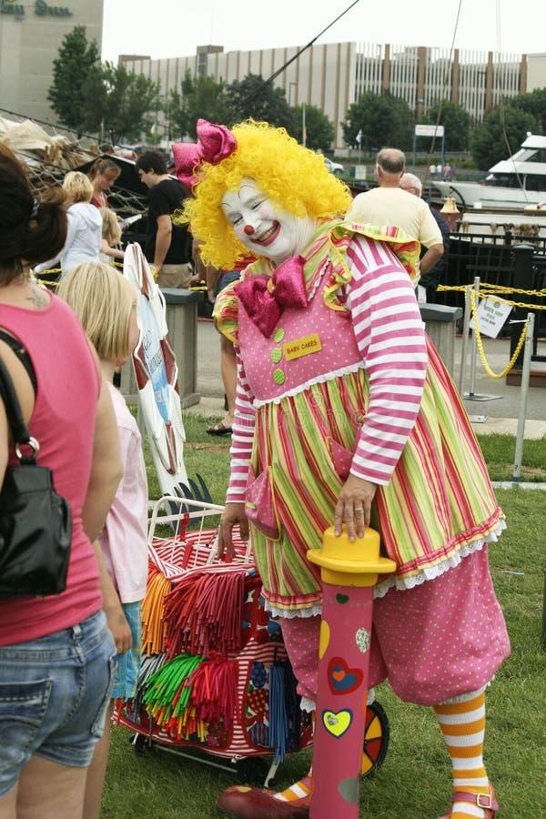 Clowning rond bij Lange Schepengebeurtenis in Green Bay stock foto
