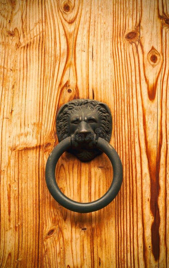 Clsoe herauf Ansicht einer Holztür lizenzfreie stockbilder