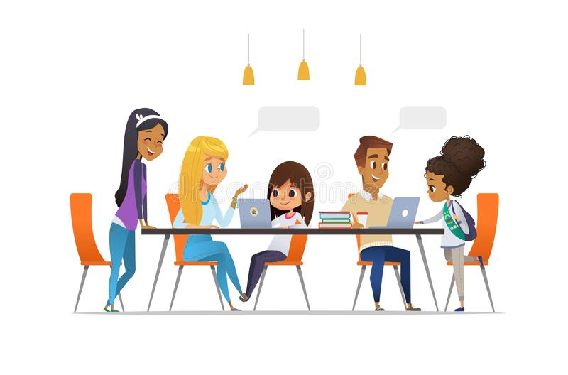 Club de informática Los niños felices y los estudiantes que se sientan en los ordenadores portátiles hablan el uno al otro y apre libre illustration