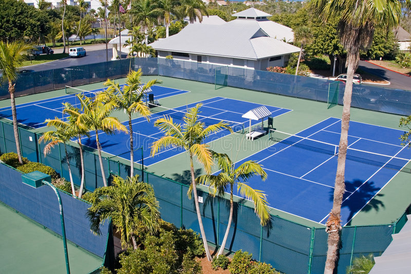 Club de tenis del centro turístico imagenes de archivo