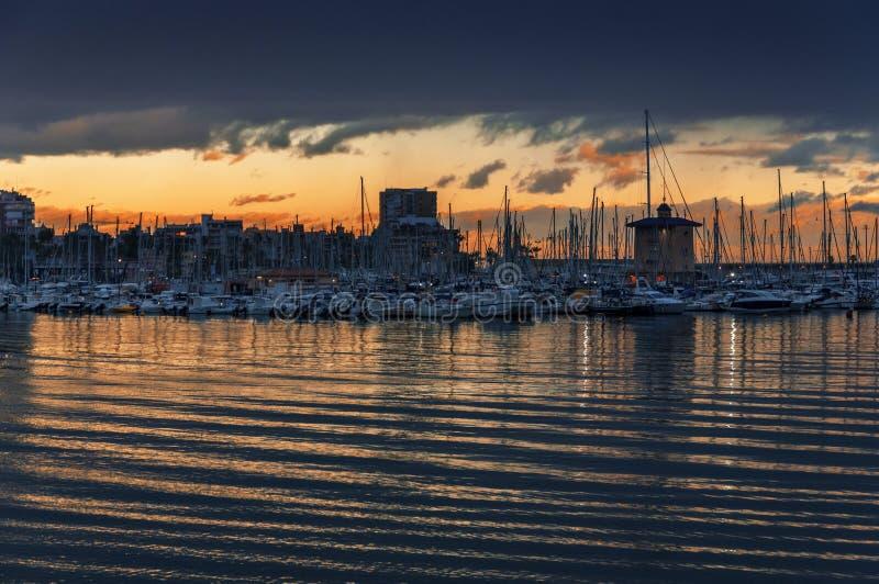 Club de yacht à Torrevieja, Espagne images libres de droits
