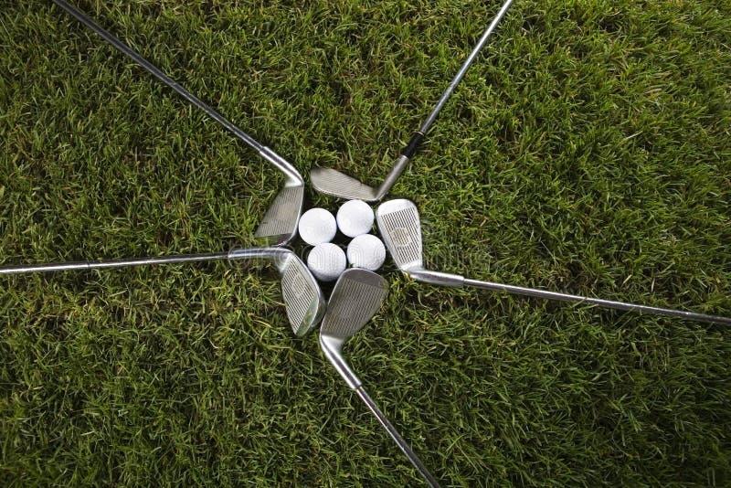 Download Club Di Golf Con La Sfera & L'azionamento Immagine Stock - Immagine di corso, giocatore: 7319209