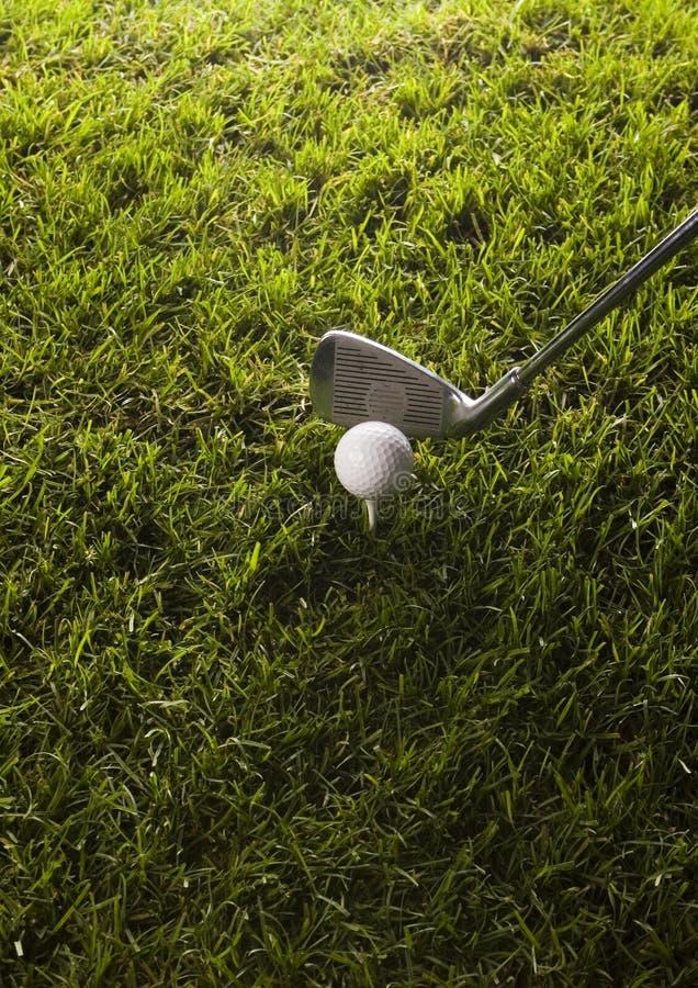 Download Club Di Golf Con La Sfera Su Un T Immagine Stock - Immagine di gamma, forza: 7317269