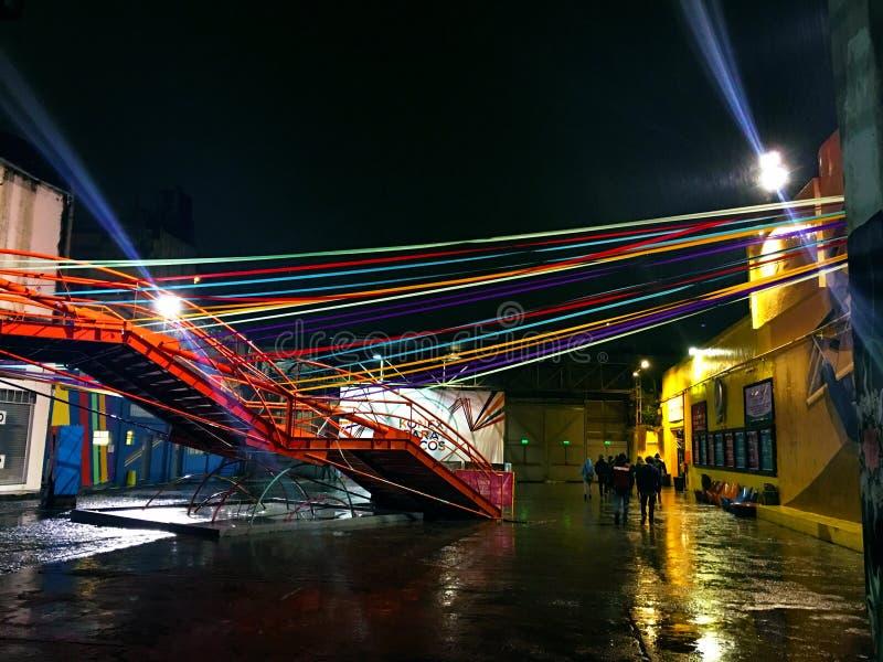 Club Konex en la noche en día lluvioso imagenes de archivo