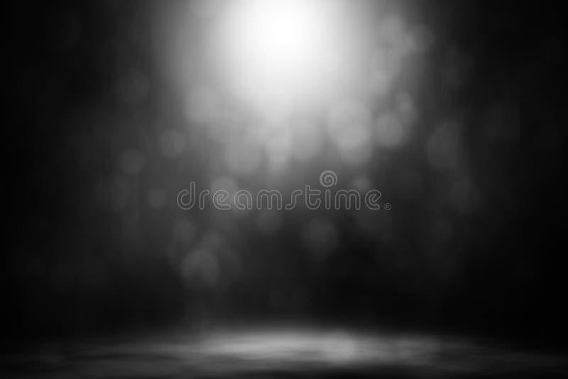 Club nocturno blanco de la etapa del humo del bokeh del proyector foto de archivo