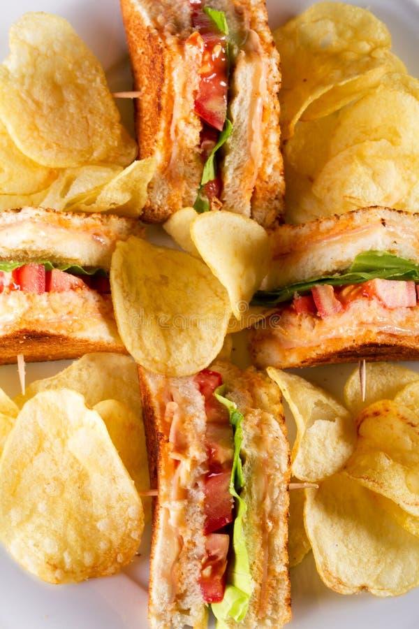 Download Club Sandwiche stockbild. Bild von delikatessen, dishware - 23141847