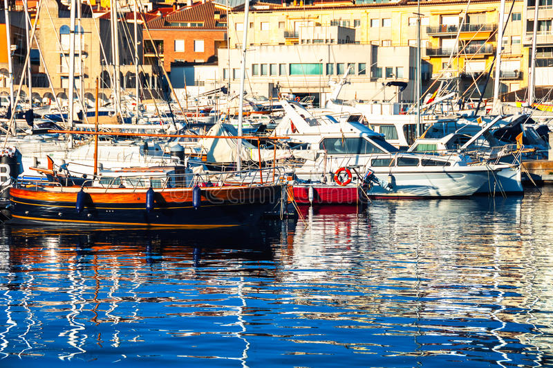 Clube luxuoso da vela em Catalonia foto de stock royalty free