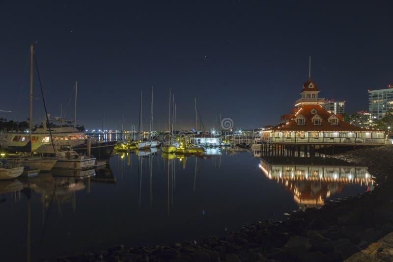 Clube Marina Night Reflections da navigação de Coronado fotografia de stock