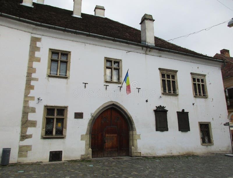 Cluj-Napoca RO, September 24th: Mathias Corvin Memorial House i Cluj-Napoca från den Transylvania regionen i Rumänien royaltyfri fotografi