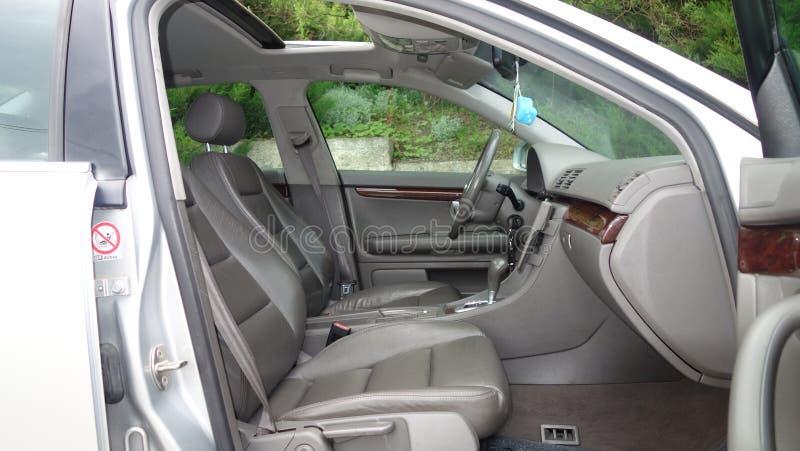 Cluj Napoca/Roumanie - 3 mai 2017 : Audi A4 - S4 - ligne année 2002, plein équipement d'option, séance photo, intérieur en cuir d images libres de droits