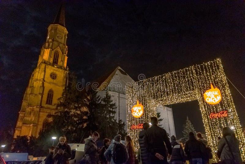 CLUJ-NAPOCA RUMÄNIEN - NOVEMBER 23, 2018: Jul marknadsför i den Unirii fyrkanten, Transylvania, Rumänien arkivfoton
