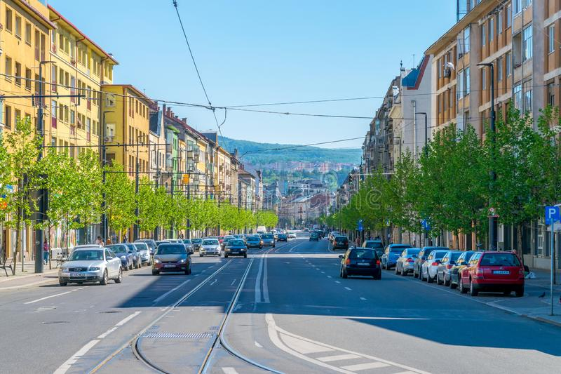 CLUJ-NAPOCA, RUMANIA - 29 DE ABRIL DE 2018: Calle de Horea en Cluj Napoca, Rumania foto de archivo