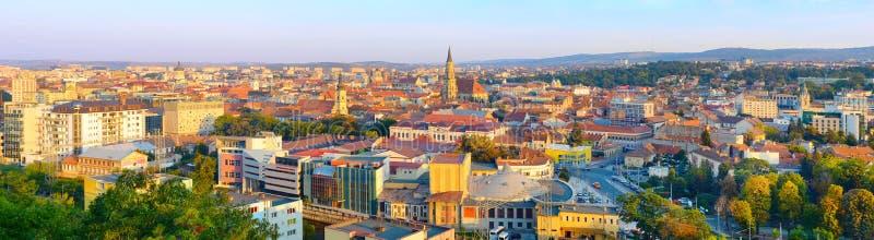 Cluj Napoka panorama, Roemenië stock foto's