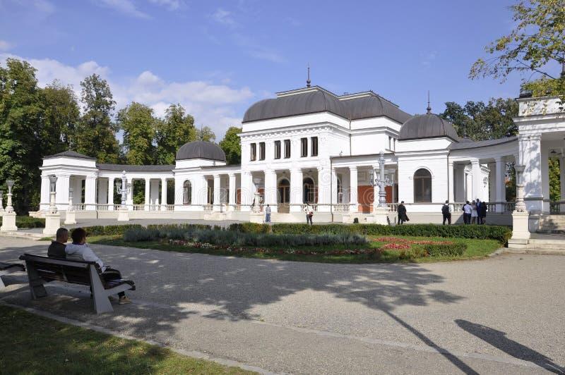 cluj RO, Wrzesień 24th: Central Park Kasynowy budynek w cluj od Transylvania regionu w Rumunia fotografia royalty free
