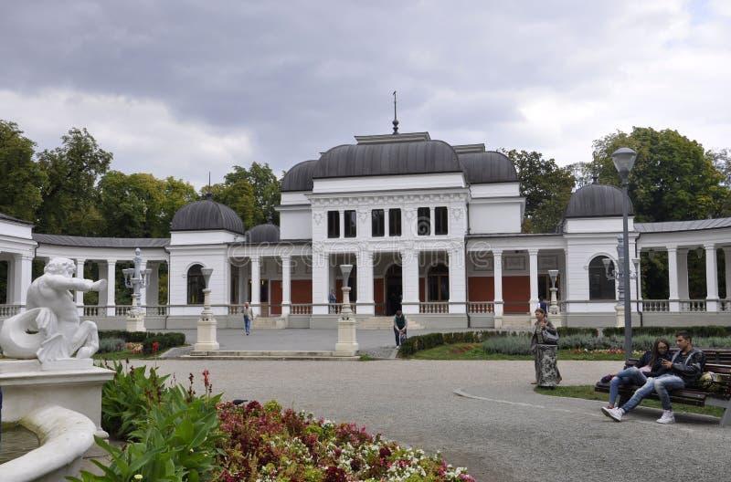 cluj RO, Wrzesień 24th: Central Park Kasynowy budynek w cluj od Transylvania regionu w Rumunia zdjęcia stock