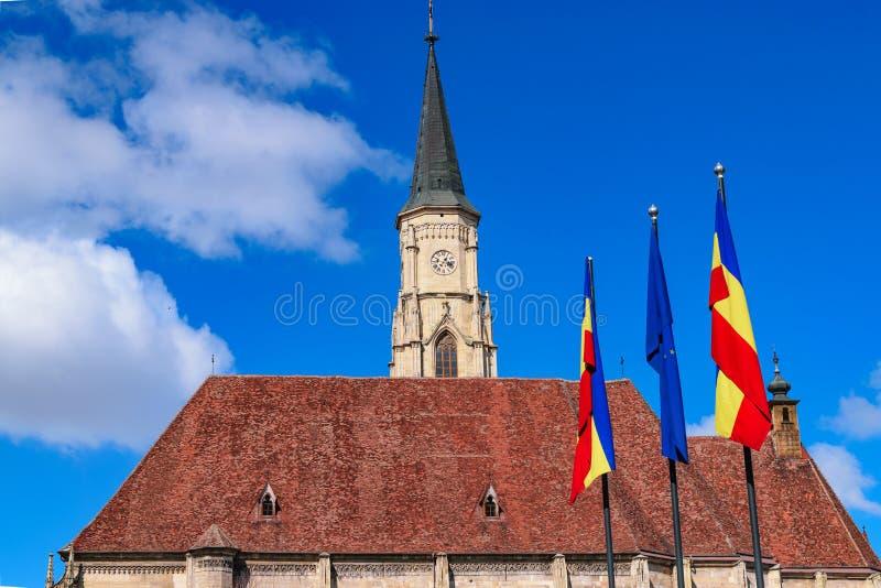 Cluj, Roemenië St Michael& x27; s Kerk in cluj-Napoca, Transsylvanië stock afbeeldingen