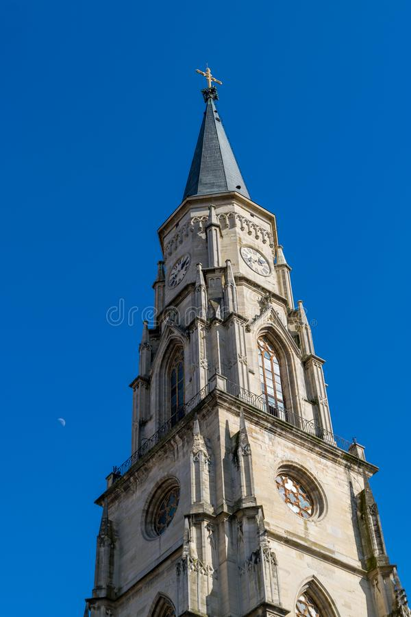 Cluj, Roemenië St Michael& x27; s Kerk in cluj-Napoca, Transsylvanië stock foto's